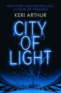 City of Light, Keri Arthur, Outcast, dechet, Tiger, urban fantasy, paranormal romance
